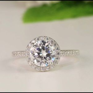 Sterling Silver 2 carat CZ round Halo Ring. Size 7
